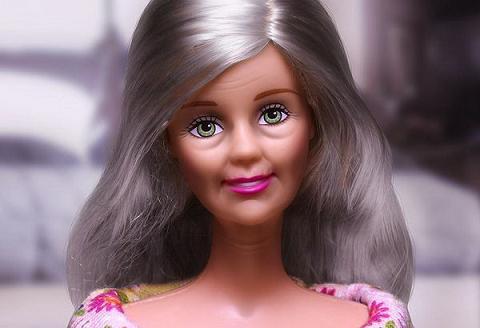 aged_barbie-001
